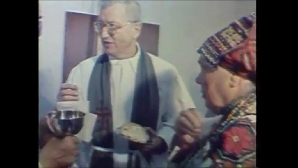 Богослужіння ерзянською мовою, м. Саранськ, 1992 р.